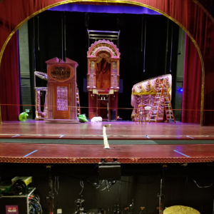 Stage picture